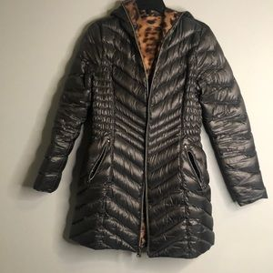 Laundry by Shelli Segal black puffer with hood